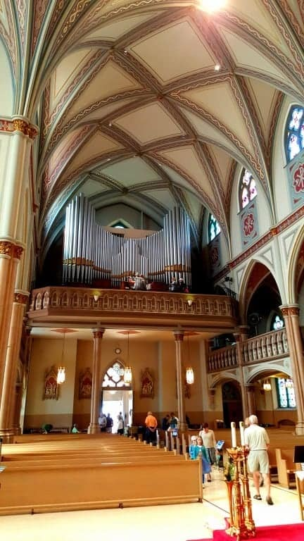 The choir loft and organ