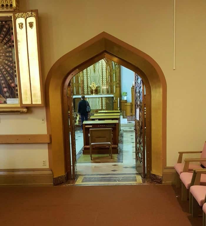 Stunning Eucharistic adoration chapel, to the right as you enter the main chapel.