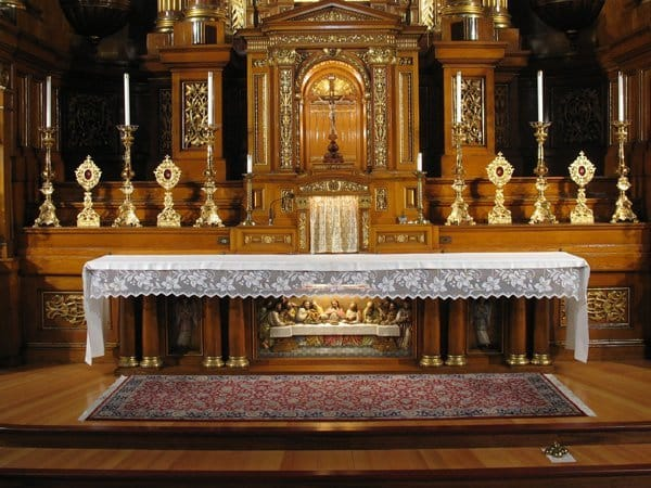 sanctuary-and-altar-03